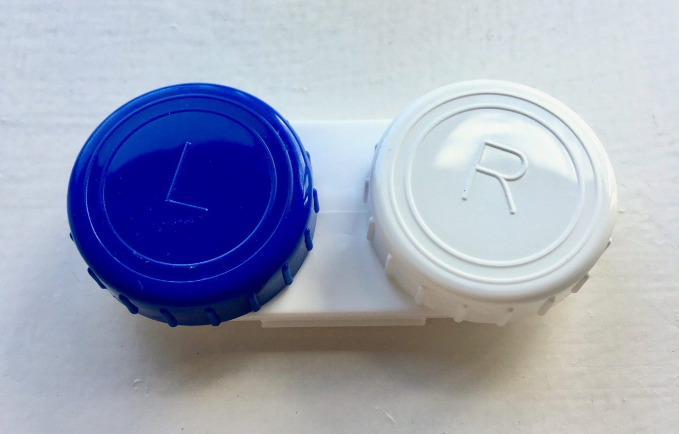 Off-brand contact lenses container