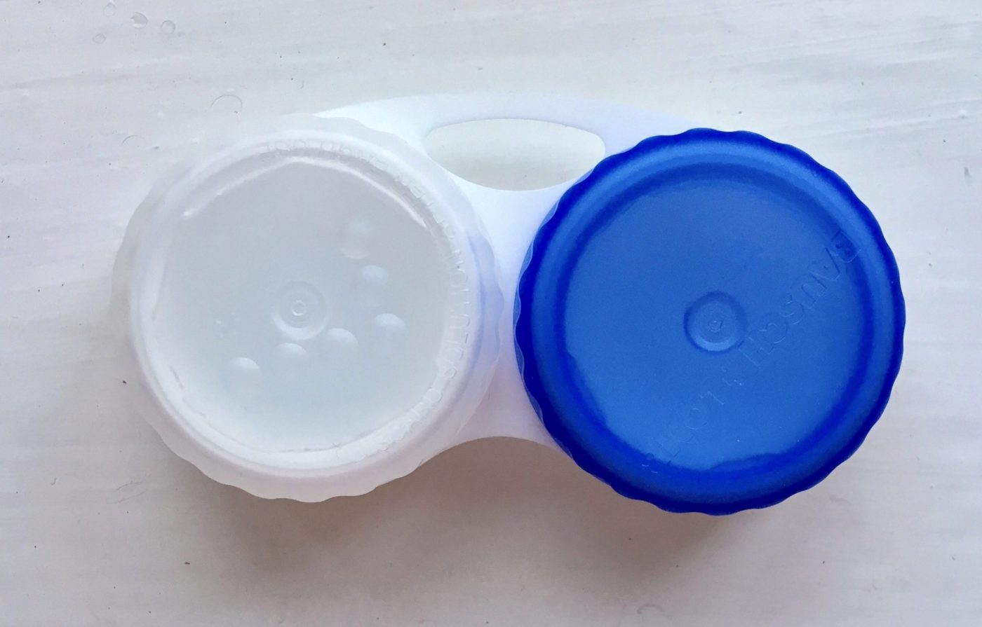 Famous-brand contact lenses container
